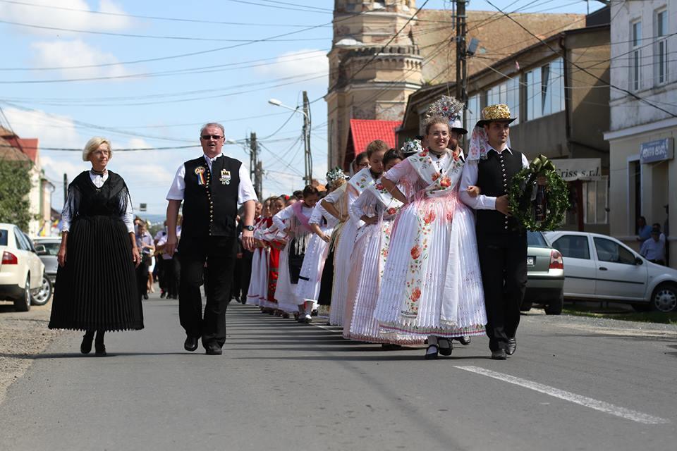 sarbatoarea-bisericii-zabrani-2014